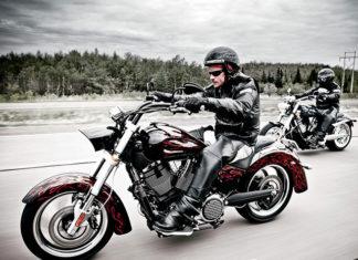 Jakie akcesoria powinien mieć każdy motocyklista?